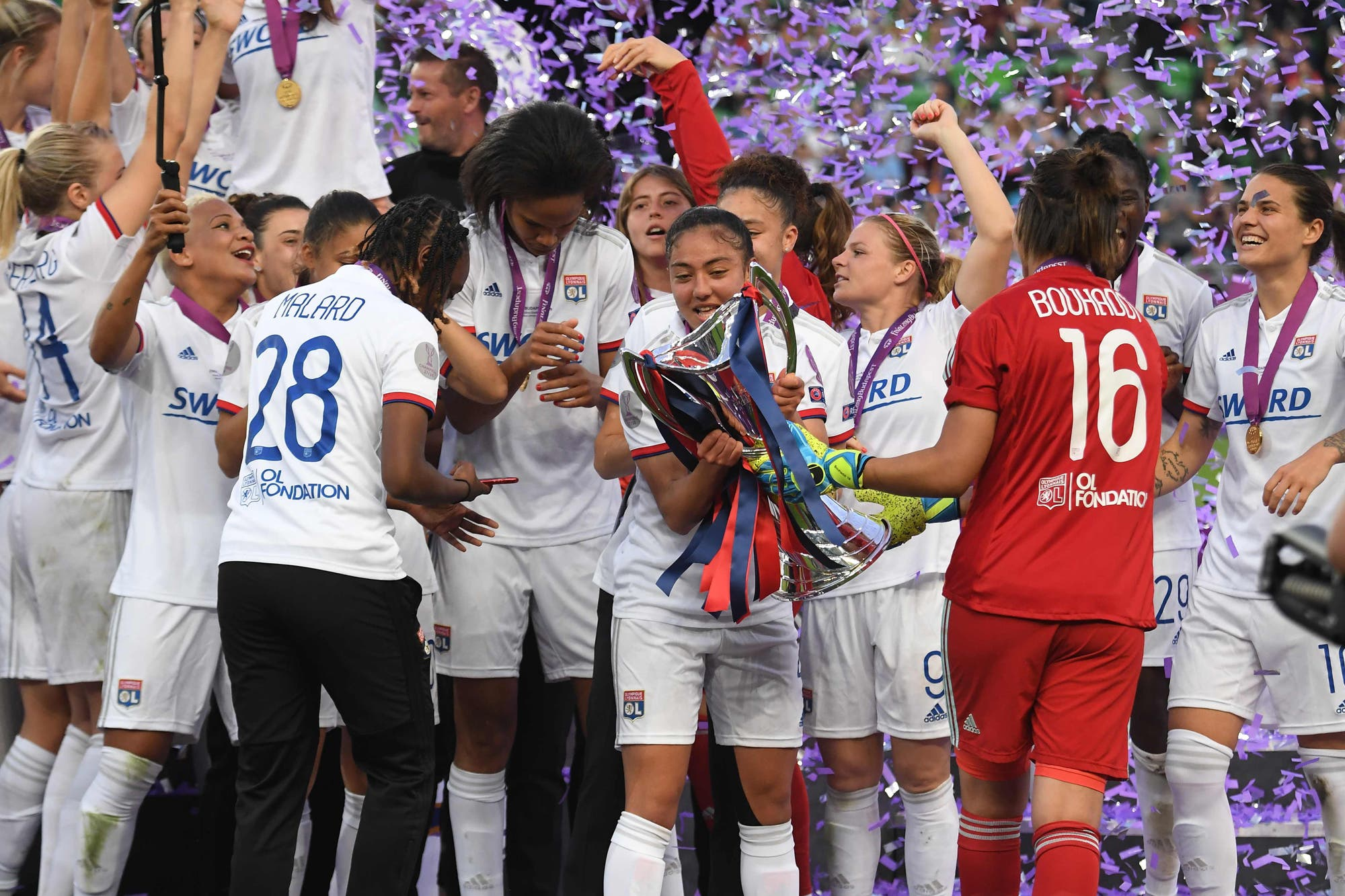 Bayern Munich y el Olympique de Lyon de Soledad Jaimes, campeones en un día de definiciones en Europa