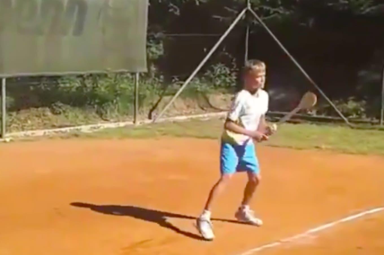 """El chico que pasó de jugar con una """"cuchara de madera"""" a ser campeón junior del US Open"""