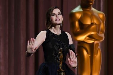 Geena Davis recibió el premio humanitario Jean Hersholt por su trabajo en pos de la igualdad de género en la industria cinematográfica