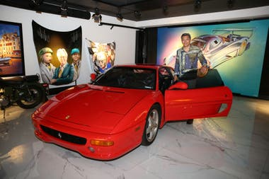 Gómez y la Ferrari F355. En una época que necesitaba el dinero se la vendió un amigo, y la recompró años después