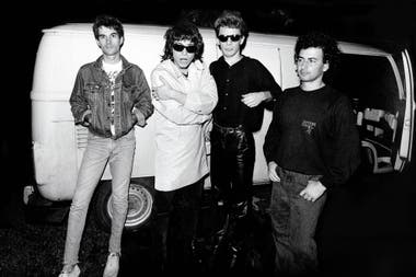 Cómo cuatro chicos saltaron en solo una década del garaje de Devoto a grabar un disco en Memphis y de los pubs al estadio de River, para recibir, exactamente 25 años atrás, la bendición de la banda de Mick Jagger y Keith Richards