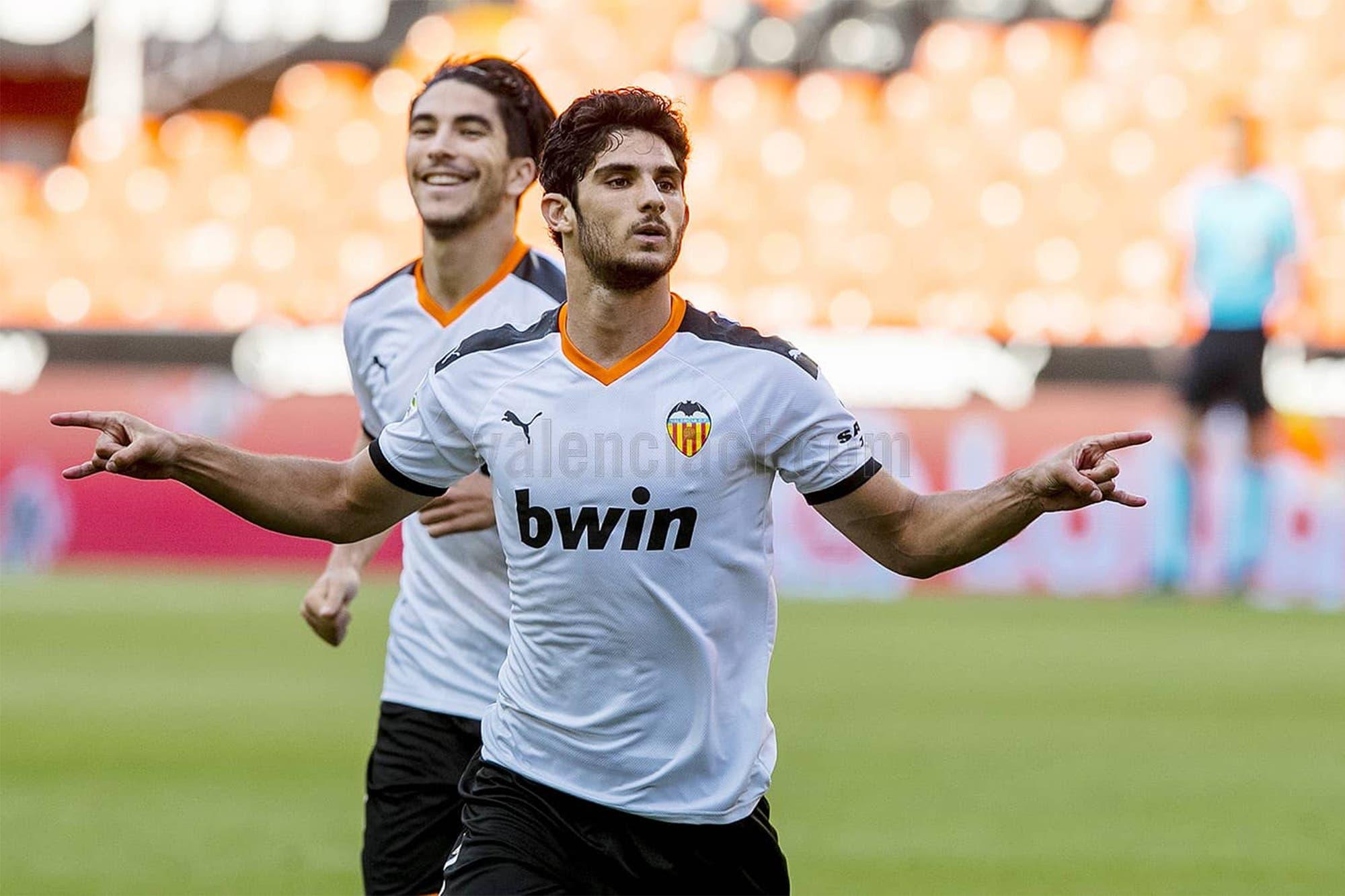 Golazo de antología: la perla de Guedes en la victoria de Valencia ante Osasuna