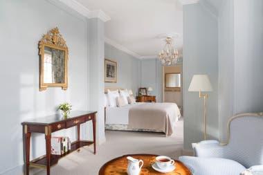 Los tonos claros predominan en la decoración de las suites