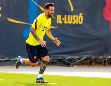 Lionel Messi en la vuelta a los entrenamientos del Barcelona.