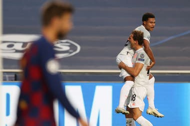 Sufre Piqué, festeja Bayern: el 8-2 puede mover los cimientos de Barcelona