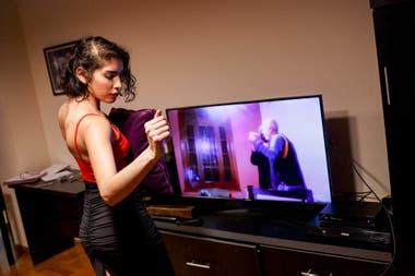 Sofía Deluchi no tiene problemas en imaginarse un compañero y darle vida a ese tango que le atraviesa el cuerpo