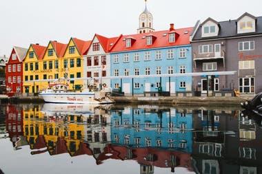 Islas Feroe. Fachadas coloridas de un lugar en el mundo de belleza peculiar.