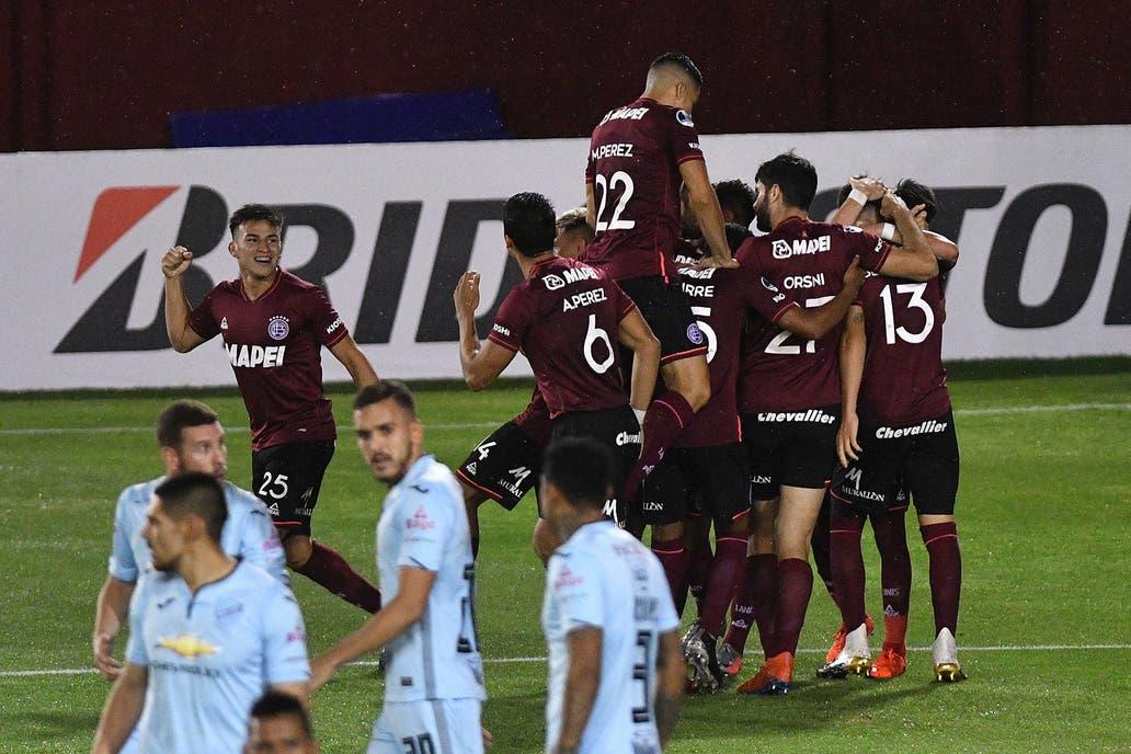 Lanús goleó 6-2 a Bolívar con la potencia de sus juveniles y avanzó a los  cuartos de final de la Sudamericana - LA NACION