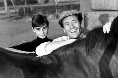 Audrey Hepburn junto a su primer esposo, el actor y cineasta Mel Ferrer en Roma, en 1955