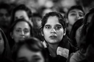 Durante la marcha Ni una Menos, una joven llora al escuchar los nombres de las víctimas de femicidio. Buenos Aires, Junio 2017. Foto: Santiago Filipuzzi
