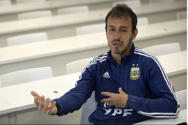 """""""Somos exitistas y estamos pagando esta transición"""", cuenta Batista sobre la renovación del fútbol argentino"""