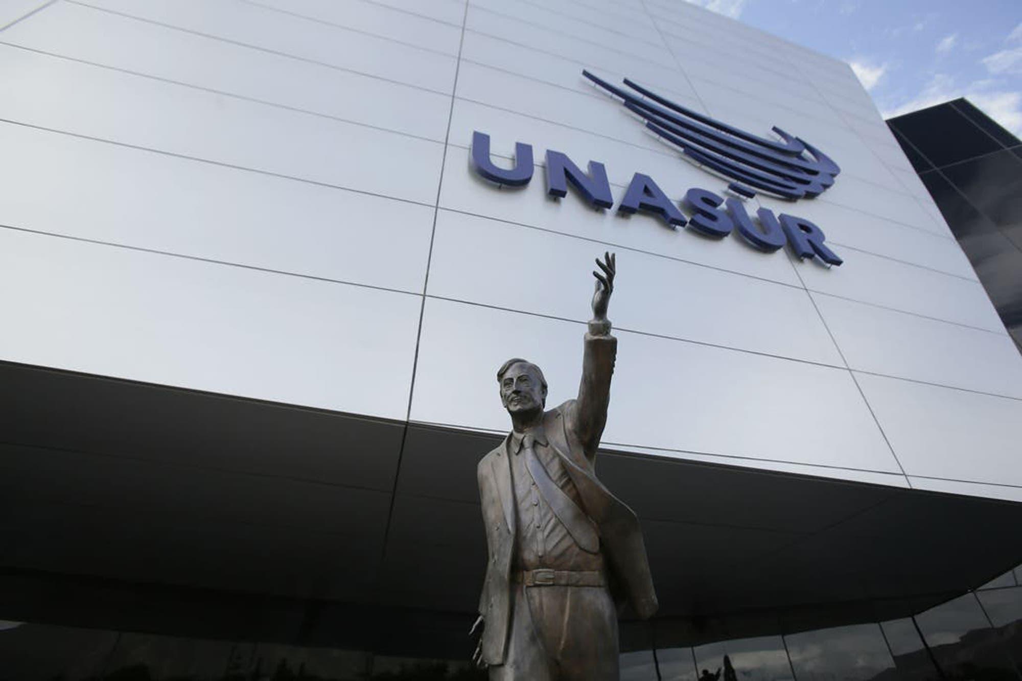 Alberto Fernández prometió traer la estatua de Néstor Kirchner que estaba en la sede de la Unasur en Ecuador