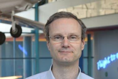 El cambio en el tipo de combustible que usan las aerolíneas depende de la presión social, afirma Joris Melkert, profesor de la Universidad Tecnológica de Delft