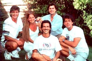 Gustavo Guillén junto a sus compañeros de Manuela, Grecia Colmenares, Raúl Taibo, Gustavo Bermúdez y Gabriel Corrado