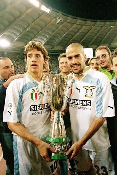 Crespo, que en 2000 fue protagonista del pase más caro hasta entonces cuando Lazio le pagó a Parma 72,8 millones de dólares, y Verón, un actor central de las ligas de Italia e Inglaterra entre 1996 y 2006