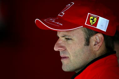 """Ruben Barrichello corrió seis temporadas en Ferrari, junto a Michael Schumacher; """"siempre vamos a hablar de que en el pasado la Fórmula 1 fue más romántica"""", afirma el paulista."""