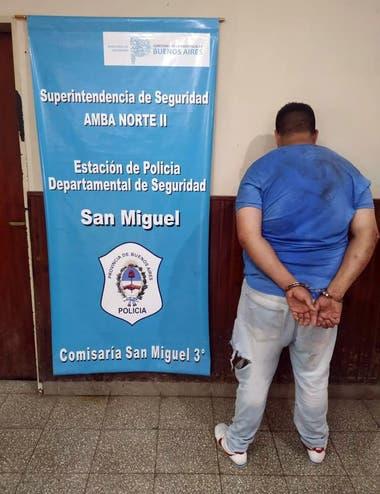 Robo, acecho y tiroteo en joyería en San Miguel