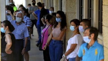 El uso de mascarillas ha sido una de las principales medidas para disminuir la propagación del coronavirus.