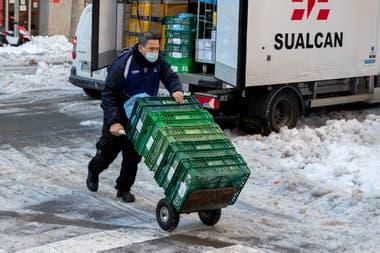 En los mercados hubo interrupciones de suministro el lunes, pero este martes se reanudó la actividad en Mercamadrid, la gran plataforma logística de distribución de alimentos frescos.