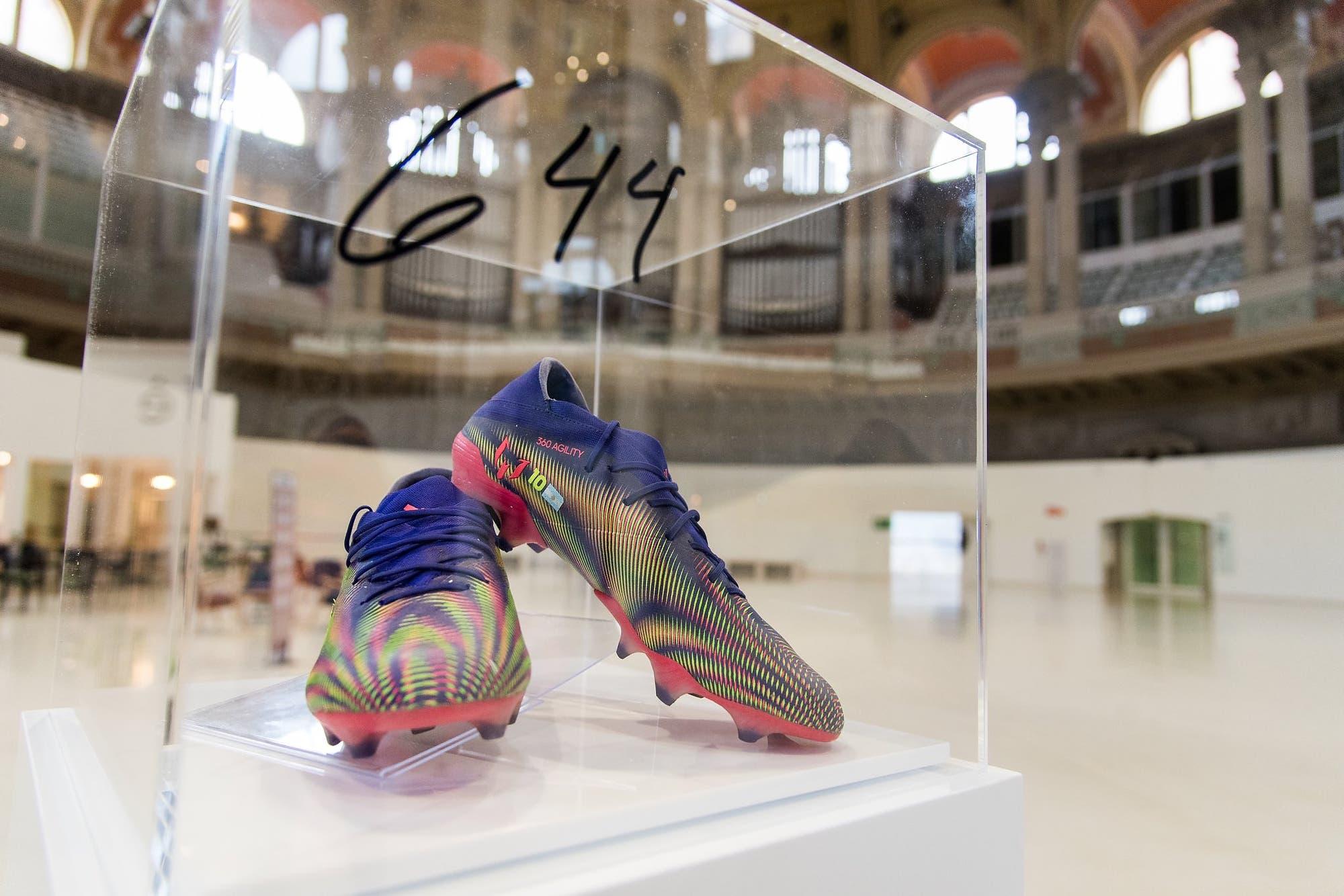 Récord y solidaridad: Lionel Messi donó a un museo los botines del gol 644, en beneficio de chicos enfermos
