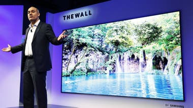 The wall: el televisor que simula una pared