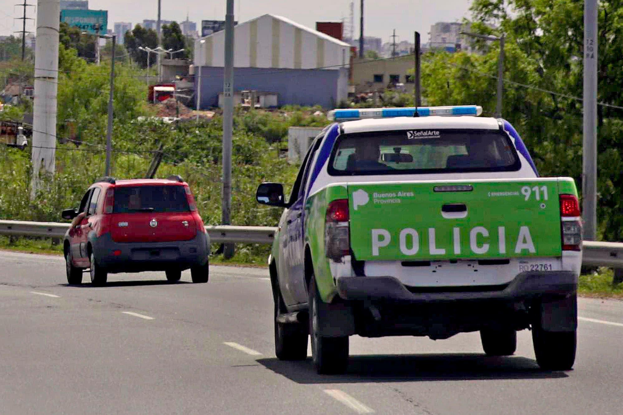Detienen a una policía que salía a robar con su hijo de dos años a bordo del auto