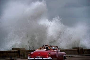 Se espera que el ciclón toque tierra hoy en la costa sudeste de Estados Unidos