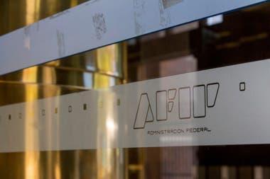 El BCRA aclaró que la AFIP deberá informar en los débitos que efectúen en estas cuentas