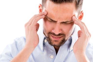 Un paciente informa un dolor de cabeza insoportable en un lado de la cabeza