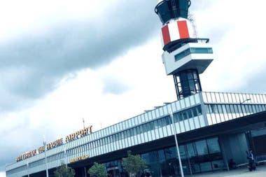 La planta está en el aeropuerto holandés de Rotterdan y producirá 1.000 litros de combustible cada día