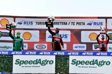 El podio con Valentin Aguirre, Agustín Canapino y Juan Cruz Benvenuti