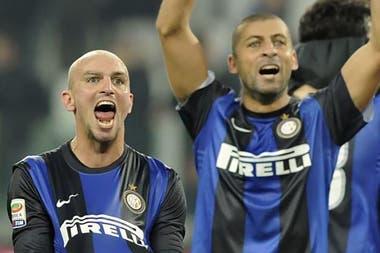 Cambiasso y Samuel, dos de las mejores piezas de la fábrica de Pekerman; campeones del mundo Sub 20 en Malasia 1997 que se coronaron con Inter en la Champions League 2010