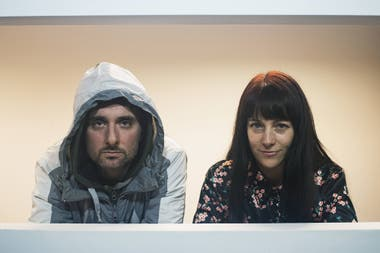 Lisandro Rodríguez y Elisa Carricajo, en Otro trabajo: la trama oculta de una conversación de permanente tensión