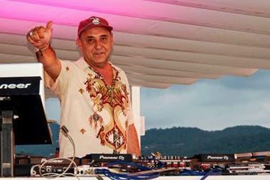 Dj Padilla le puso música a los atardeceres en el mar