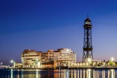 Ven a cenar y te invitamos a dormir, la propuesta del Eurostars Grand Marina de Barcelona
