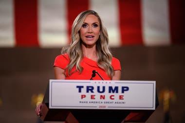 Lara Trump, esposa del hijo del presidente estadounidense Donald Trump, Eric, se dirige a la Convención Nacional Republicana en un discurso pregrabado en el Auditorio Andrew W.Mellon en Washington, DC, el 26 de agosto de 2020