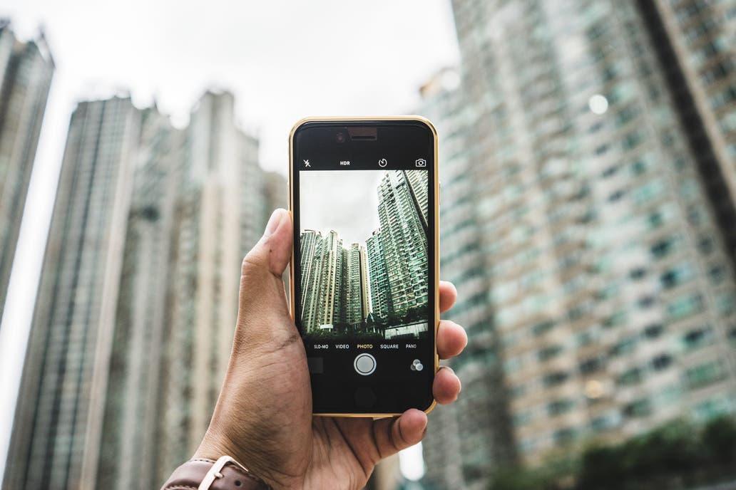 Hay 7800 millones de líneas móviles, y 5000 millones de usuarios