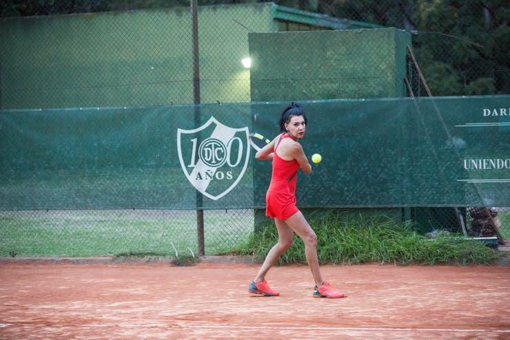 Mía Fedra es la primera tenista trans argentina profesional