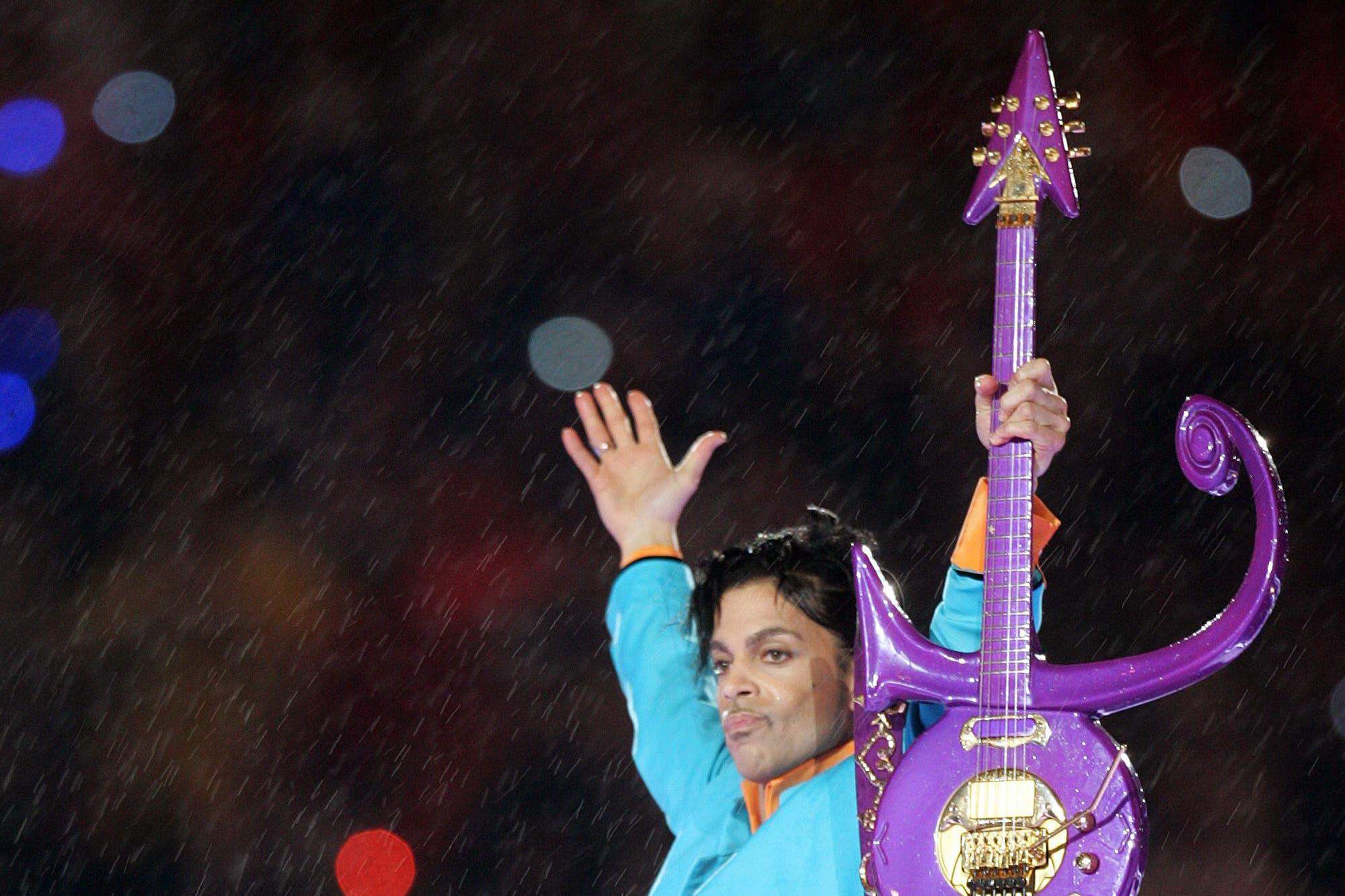 La familia de Prince demanda a su médico personal por la muerte del artista