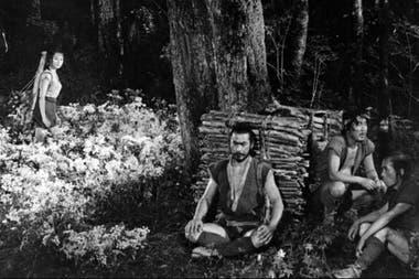 La fortaleza oculta, una de las influencias más inmediatas de Star Wars. En el centro, Toshiro Mifune, el Obi Wan ideal que había pensado George Lucas.