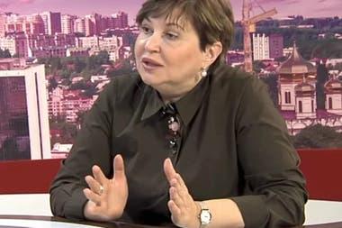 Irina Sannikova es consultora del gobierno en enfermedades infeccionesa,docente universitaria y en la televisión hablaba sobre medidas de prevención del coronavirus
