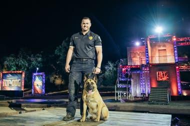 """""""Mucha gente cree en el adiestramiento de un perro policía, por ejemplo, se logra la obediencia con un látigo o que los perros son robots que hacen lo que se les ordena"""", aseguró uno de sus jurados"""