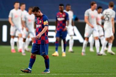 Festeja Bayern y Lionel Messi lo sufre. Barcelona quedó afuera de la Champions con un lapidario 8-2 en contra.