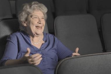 """Diana Frey, productora de """"Esperando la Carroza"""", no oculta su asombro por el fanatismo después de 35 años."""