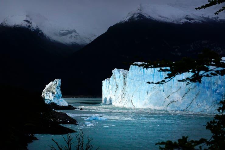 Se cayó el puente de hielo del glaciar Perito Moreno