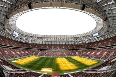 El Estadio Olimpico Luzhniki Albelgara La Fiesta De Apertura Y El Partido Inaugural Entre Rusia Y