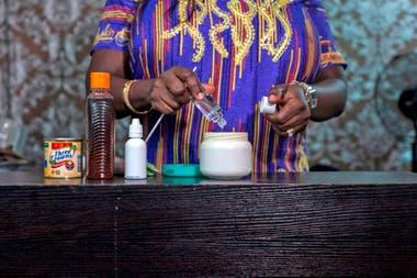 En Nigeria, el 77 por ciento de las mujeres (más de 60 millones de personas) están usando productos de aligeramiento de manera regular, dijo la Organización Mundial de la Salud (OMS) en 2011