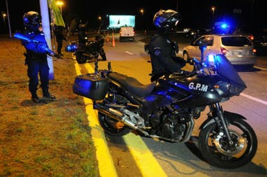 Uno de los controles de la policía bonaerense
