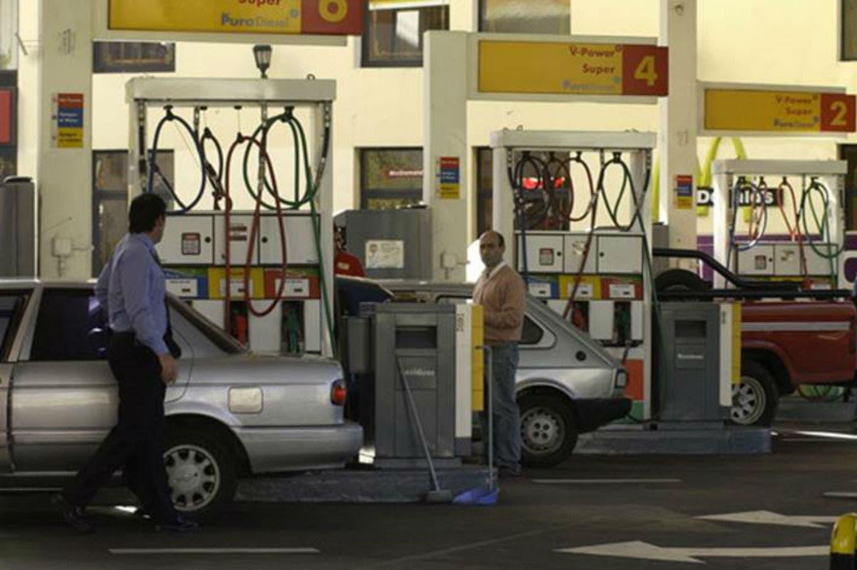 Las estaciones Shell se suman a YPF y a partir de mañana bajan la nafta 1,5%