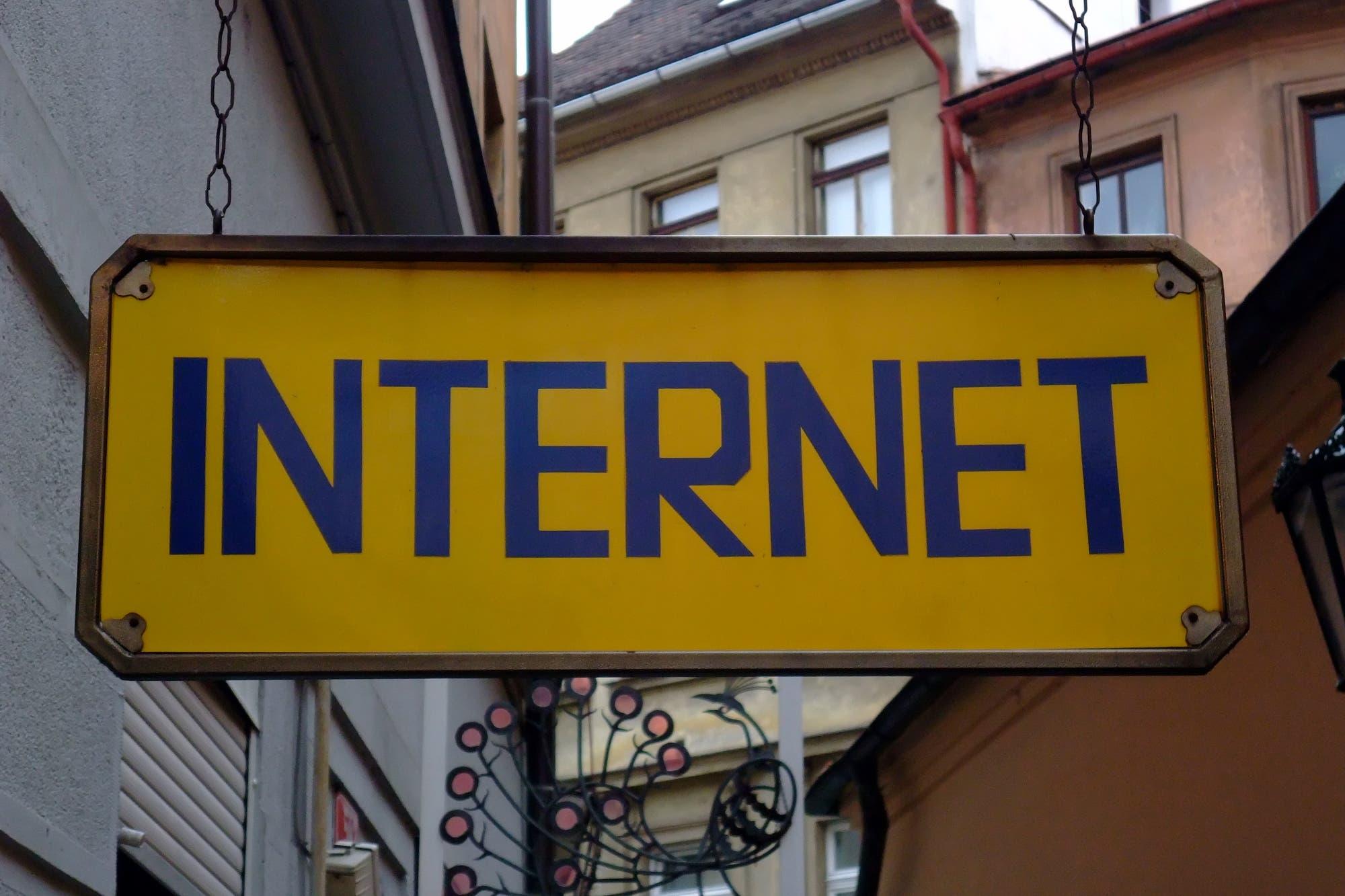 Francia aprueba el impuesto a los gigantes de internet, pese a la tensión con EE.UU.